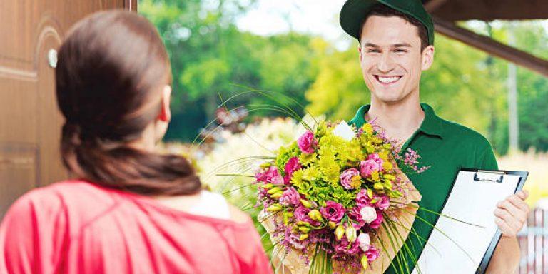 Почему стоит заказывать доставку цветов